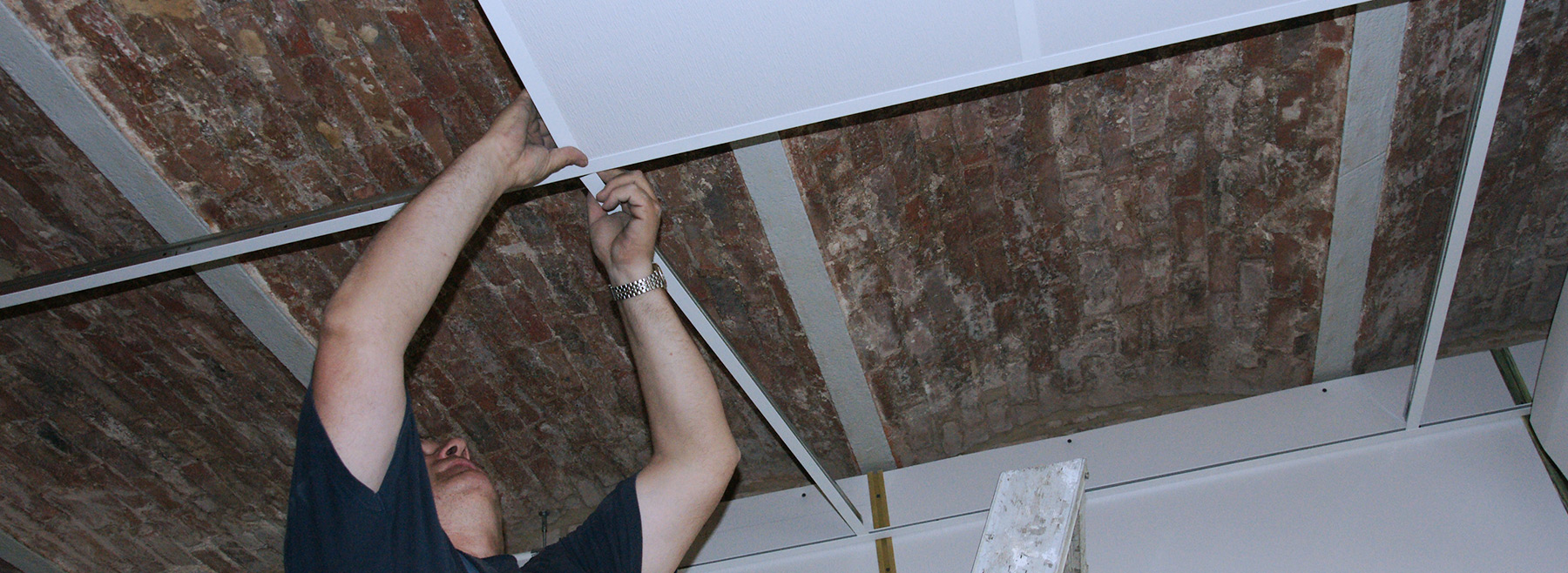 Installation of HygiCeiling on a ceiling