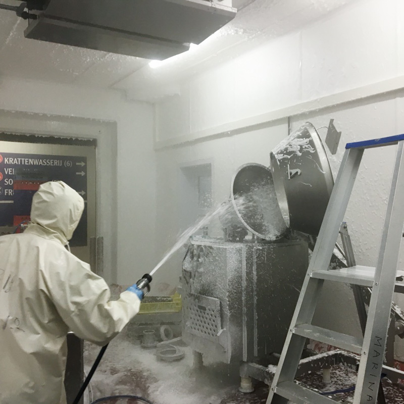 foam cleaning on hygienic walls