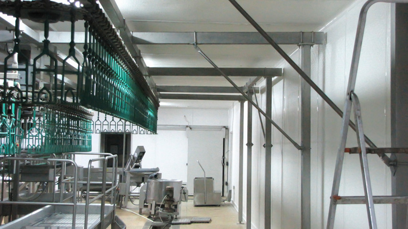 FRP wall cladding in poultry slaughterhouse production