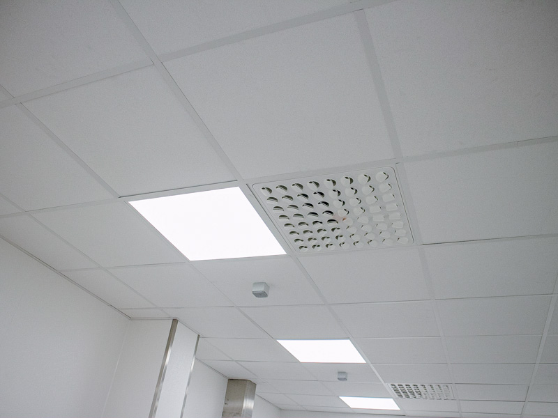 hygienic ceiling with lighting