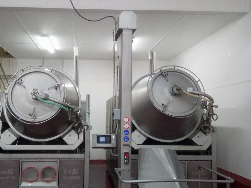 meatprocessing in a hygienic facility with FRP walls and ceilings